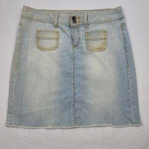 Tommy Hilfiger vintage wash raw hem jean skirt